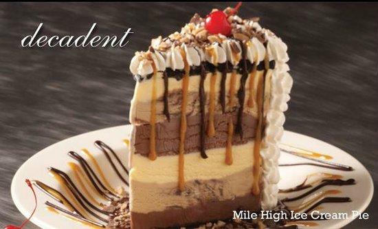 Champps Americana: Mile High Ice Cream Pie