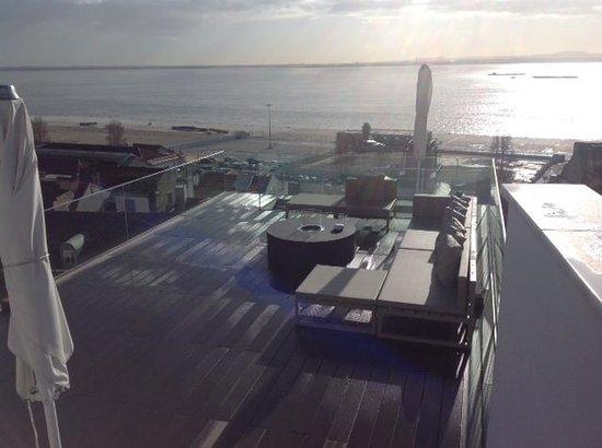 Memmo Alfama Hotel: Deck view