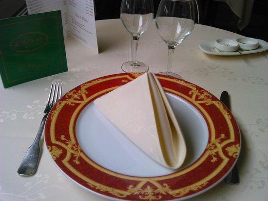 LA MARTINIERE : Présentation Table