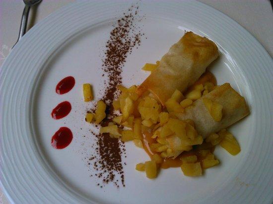 LA MARTINIERE : Bricks aux pommes, caramel et beurre salé