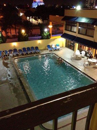 Orlando Continental Plaza Hotel: Piscina...