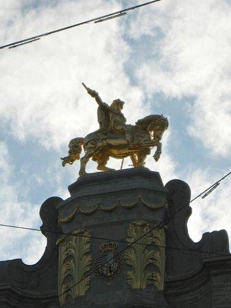 Gran Plaza: Grand-Place  statua