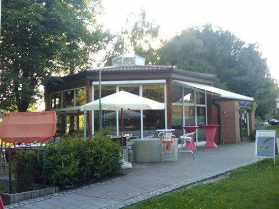 See Cafe Belzig: Von Vorne