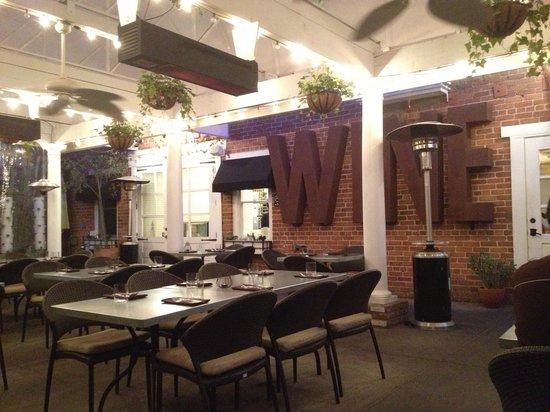Thomas Hill Organics: Dining area