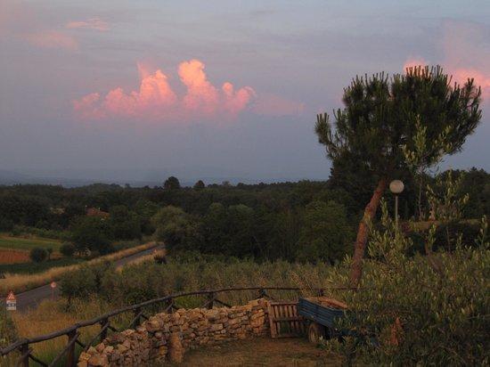 La Locanda Cuccuini di Cuccuini Stefano: Looking east at sunset