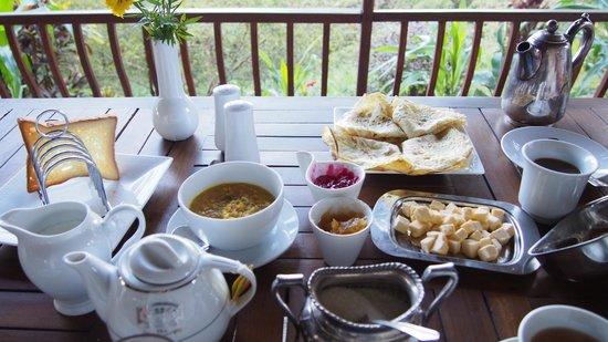 Elegant Hotel: wonderful selection for breakfast