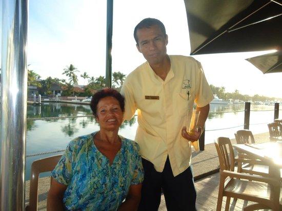 Vamar Vallarta All Inclusive Marina and Beach Resort : Samuel.Our favourite waiter.Great guy !