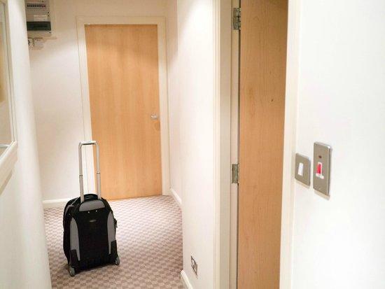 Holyrood apartHOTEL : Entrance area