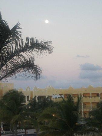 The Royal Haciendas All Suites Resort & Spa: Beautiful evening