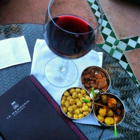 La Mamounia Marrakech : комплимент к бокалу вина от Bar Italiano на первом этаже отеля