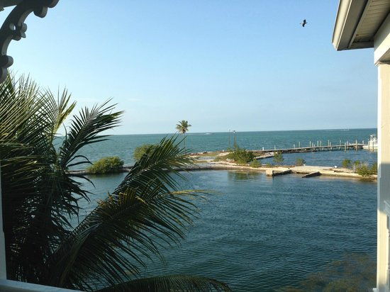 Tranquility Bay Beach House Resort: Broken down jetty mars the view from dockside townhouses
