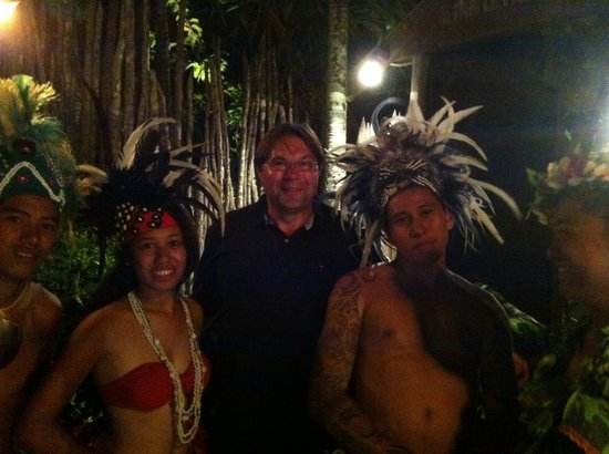 Highland Paradise Drums of our Forefathers Sunset Culture Show: Abschluss im Paradies