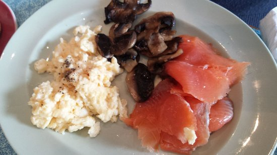 The Pot Bistro: Smoked salmon breakfast