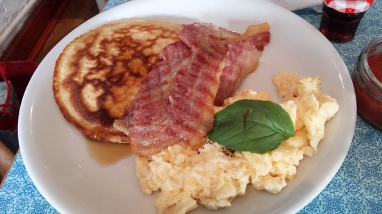 The Pot Bistro: American breakfast