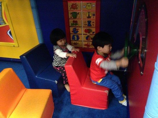 Fun Zone Kennedy Town: 幼童區模擬巴士區域