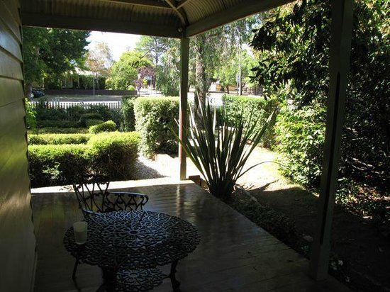 Erindale Guest House: Our private porch