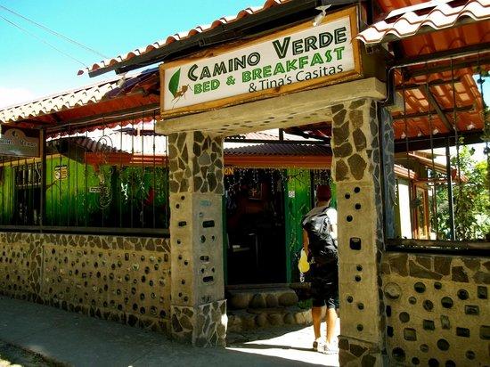 Camino Verde Bed & Breakfast Monteverde: Front Entrance