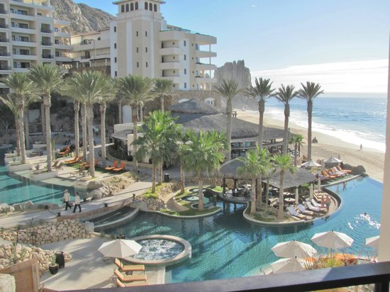 Grand Solmar Land's End Resort & Spa: View From Building 2 Hallway