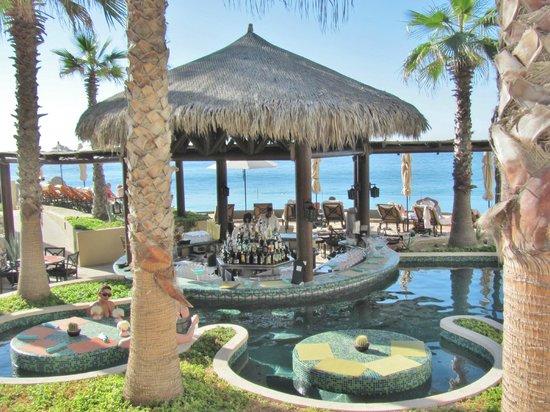 Grand Solmar Land's End Resort & Spa : Holas Swim-Up Bar