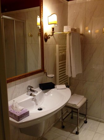 Il Piccolo Castello Hotel: bathroom
