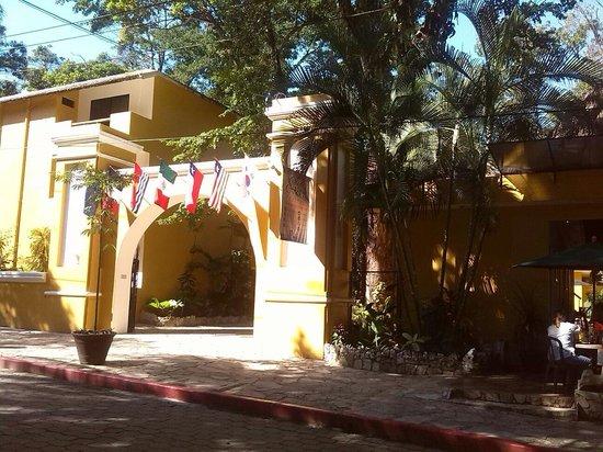 Hotel Chablis Palenque: Facciata hotel