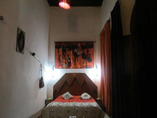 Riad Dar Skalli: camera da letto