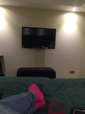 Mercure London Bridge : Yay, TV!