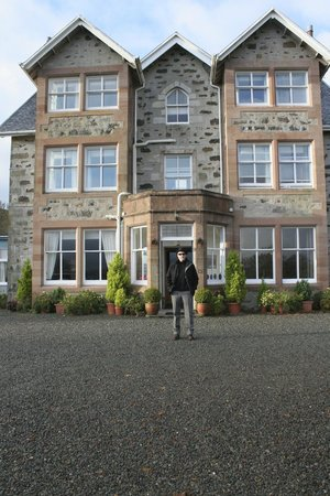 Duisdale House Hotel: Front of Hotel