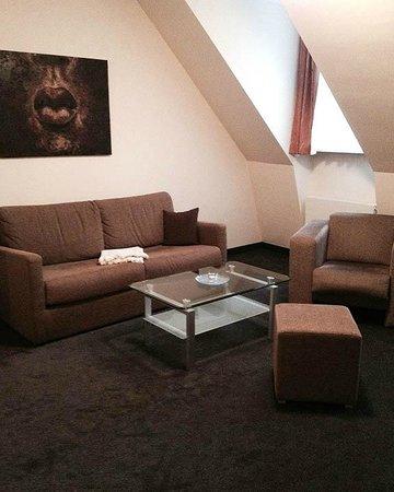 Aparthotel Neumarkt: Living Room