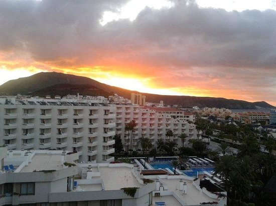 Hotel Best Tenerife: View from room A3 at dawn.