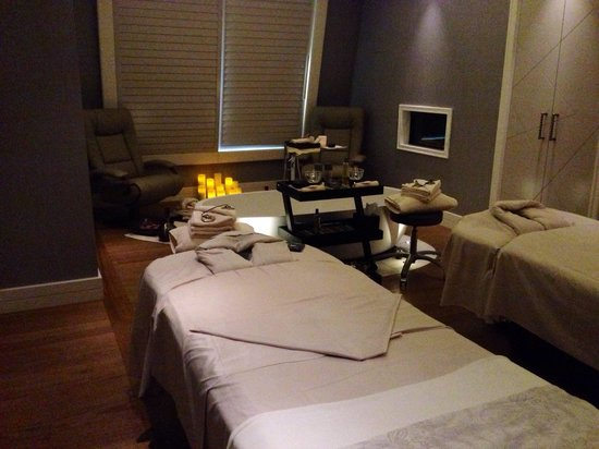 Four Seasons Hotel des Bergues Geneva: Couple massage at the spa