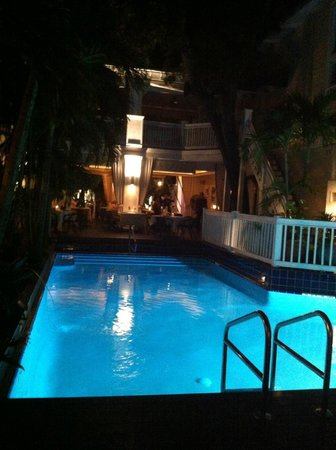 La Te Da Hotel : pool at night ~ lovely:)