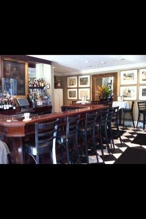 La Te Da Hotel : piano  bar ! La te da Jan 2014