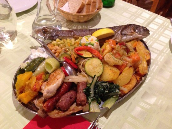 Plitvice Miric Inn: This is for 2 people. Meat and fish. Brilliant