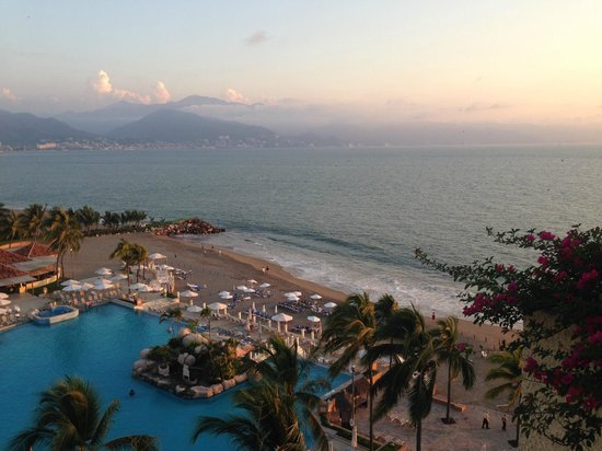 Marriott Puerto Vallarta Resort & Spa : views from the 8th floor