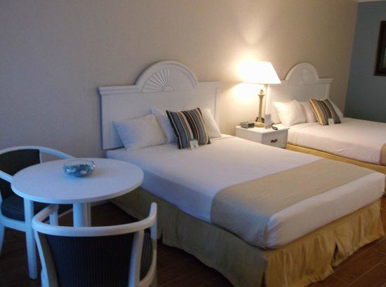 Vero Beach Inn & Suites: Double Queen Beds Deluxe