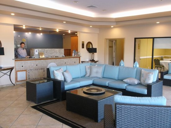 Vero Beach Inn & Suites: Lobby