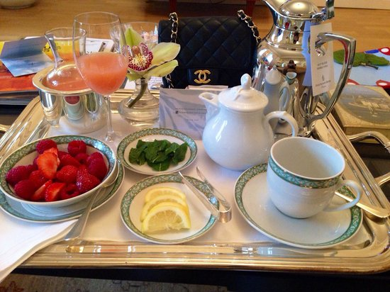 Four Seasons Hotel Prague: Sweet morning