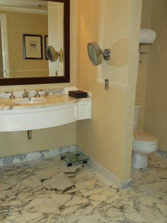 The Langham Huntington, Pasadena, Los Angeles: Bathroom