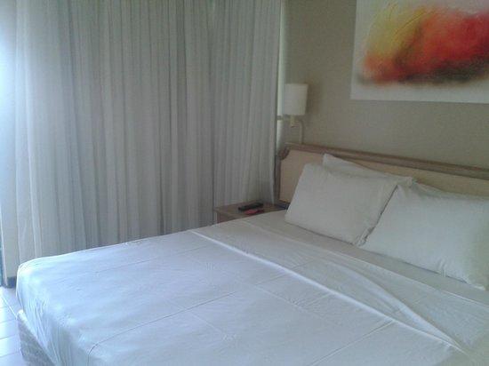 Prodigy Hotel Recife: Cama quarto