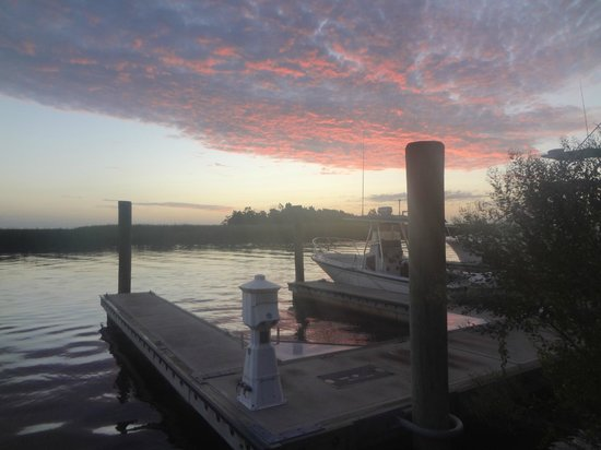 Water Street Hotel & Marina: A pretty sunset photo