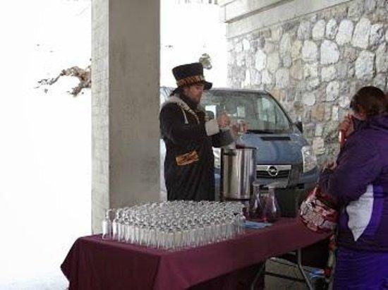 Les Villages Clubs du Soleil: vin chaud après le ski