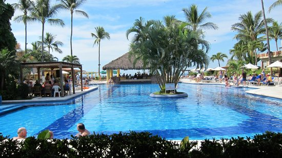 Canto Del Sol Plaza Vallarta : Grounds are well kept!