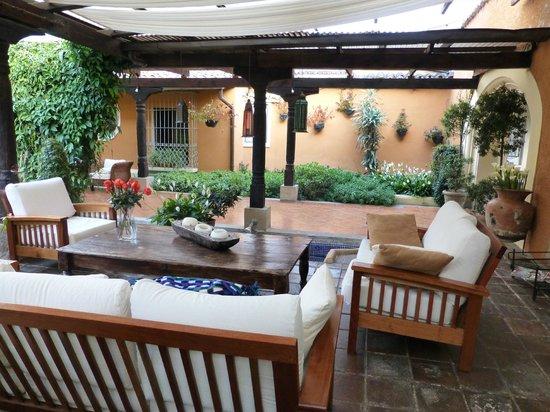Casa Santa Rosa Hotel Boutique : Outdoor seating - view 4