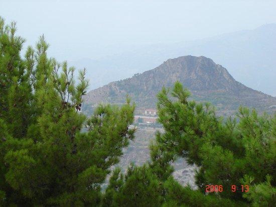 Gallo Cedrone : Вид с Кастельмола на округу.