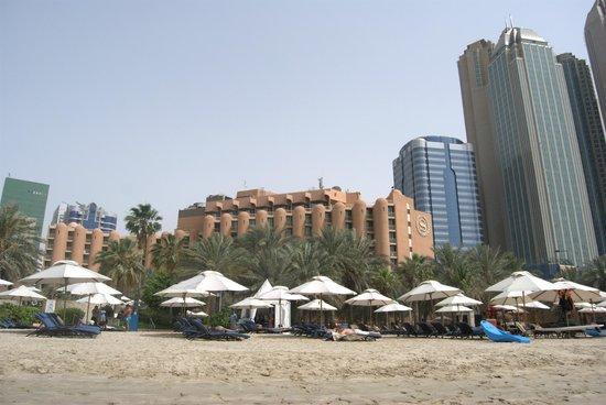 Sheraton Abu Dhabi Hotel & Resort: Lagoon