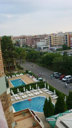 Hotel Aktinia: Widok na basen i okolice