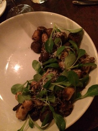 a(MUSE.): Gnocchi (pumpkin, black sausage, wild mushroom) - Main