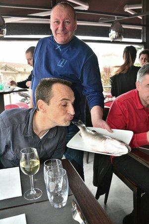 Au Bout Du Quai : Le top de la fraîcheur!!!...et un patron très sympa!