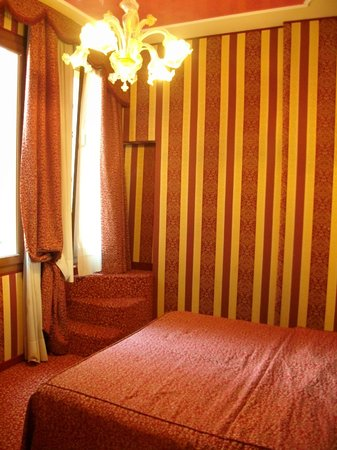 Alcyone Hotel: chambre